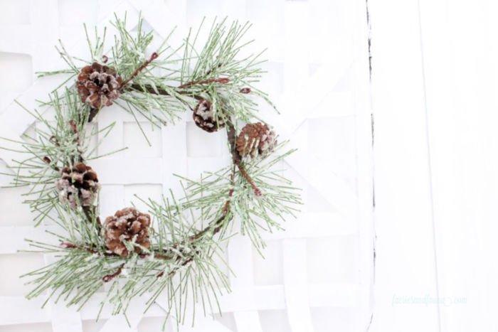 A minimal farmhouse wreath for Winter decor.