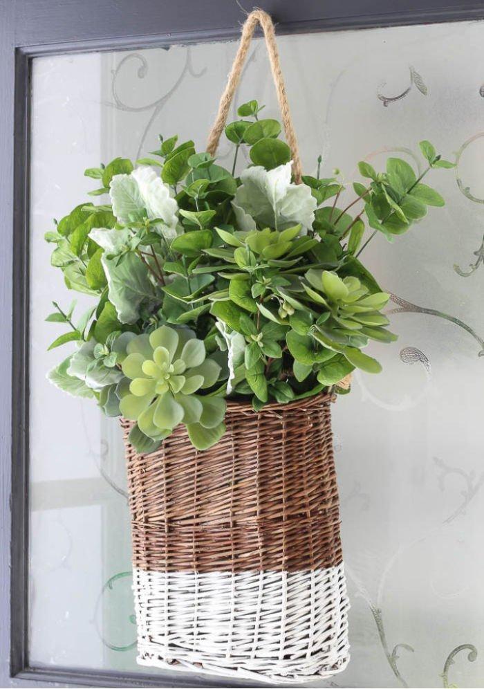 DIY Spring Basket for Spring decorating.