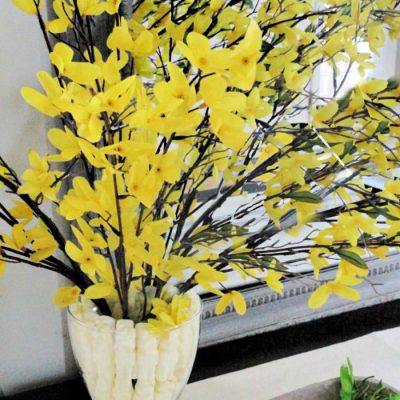 It's All about Yellow DIY Easter Centerpiece