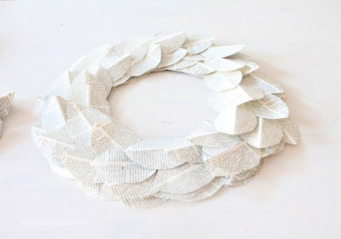 Making a DIY book page wreath for DIY farmhouse decor.