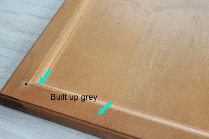 How to refinish wood kitchen cupboards using stain.