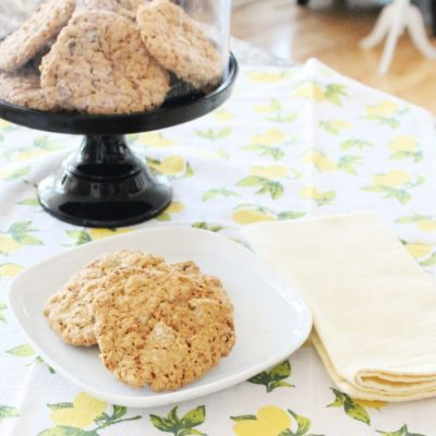 The Best Traditional Oatmeal Raisin Cookies