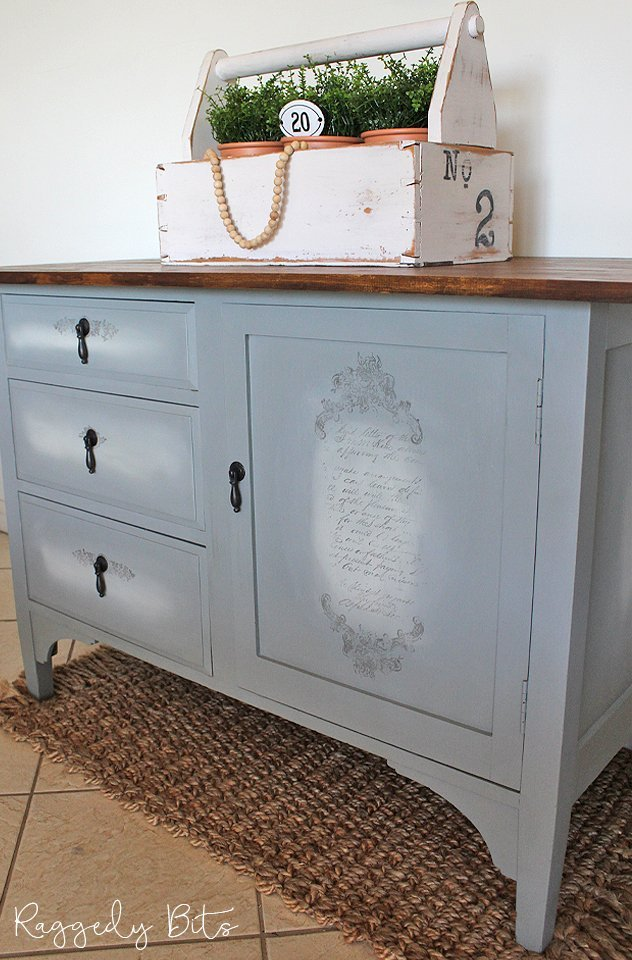 Painted sideboard with french lettering.