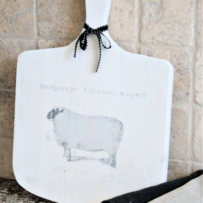 Farmhouse DIY Cutting Board with Graphic