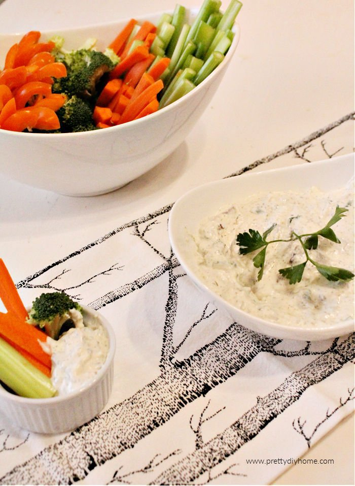 A recipe for homemade ranch dip using sour cream and mayonnaise.
