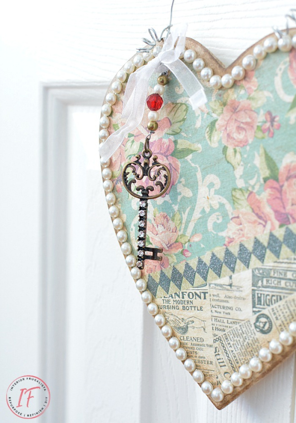 Upcycled Valentine with pretty fabric in soft green and pink and a antique key.