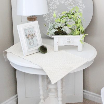 Round Farmhouse End Table DIY Refinishing