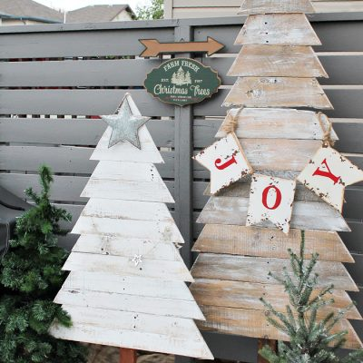 DIY Pallet Christmas Trees for Outdoors