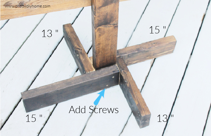 Simple DIY wood stand for a wooden pallet Christmas tree